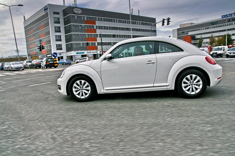 test volkswagen beetle 1 2 tsi design buba na bis. Black Bedroom Furniture Sets. Home Design Ideas