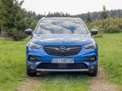 Opel GrenlandX 1.6 CDTI 01