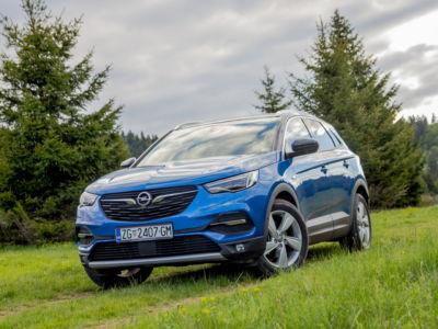 Opel GrenlandX 1.6 CDTI 02