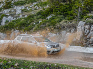 Test Dacia Duster 2WD 30