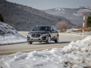 Test Jaguar F-Pace 2.0 Awd 01