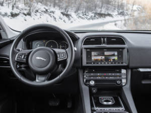 Test Jaguar F-Pace 2.0 Awd 32