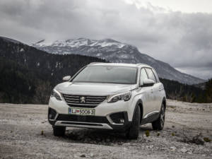 Test Peugeot 5008 ALLURE 1.6 BlueHDi 01