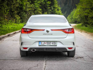 Test Renault Megane Grand Coupe 1.5 Dci 07