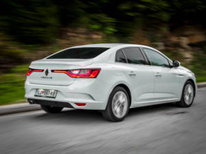 Test Renault Megane Grand Coupe 1.5 Dci 33