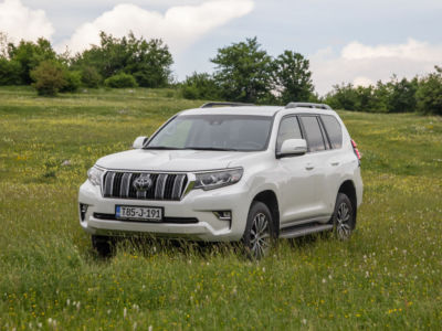Test Toyota Land Cruiser 2.8 D-4D Executive 01