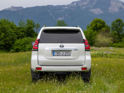 Test Toyota Land Cruiser 2.8 D-4D Executive 08