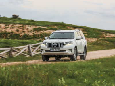 Test Toyota Land Cruiser 2.8 D-4D Executive 28