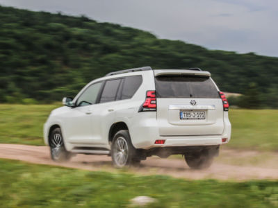 Test Toyota Land Cruiser 2.8 D-4D Executive 30
