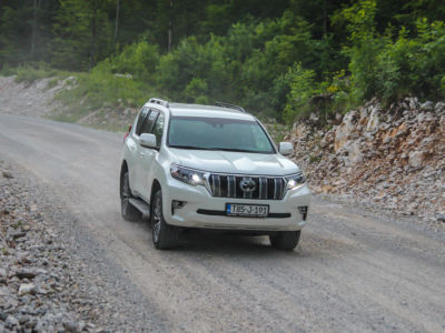 Test Toyota Land Cruiser 2.8 D-4D Executive 31