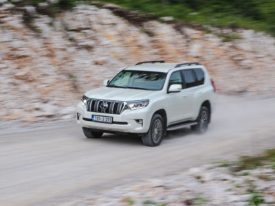 Test Toyota Land Cruiser 2.8 D-4D Executive 32