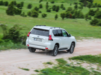 Test Toyota Land Cruiser 2.8 D-4D Executive 37