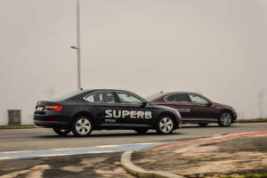 Uporedni Test Skoda Superb Vs Volkswagen Passat (2016) 18
