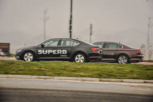 Uporedni Test Skoda Superb Vs Volkswagen Passat (2016) 22