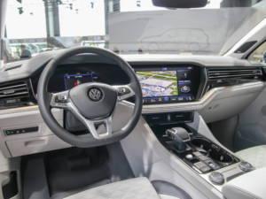 Vozili Smo Novi Volkswagen Touareg 2018 09