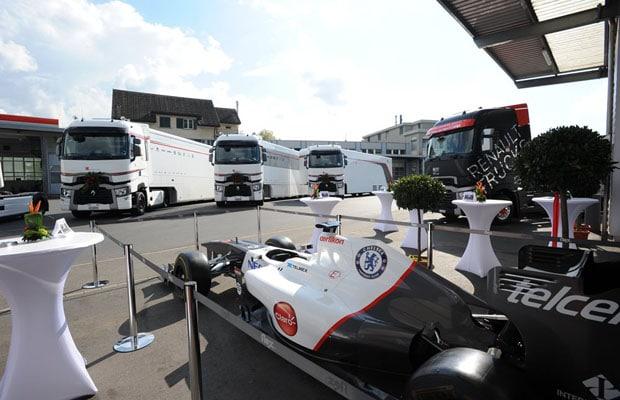 sauber_f1-team_renault_trucks_2014_(2)