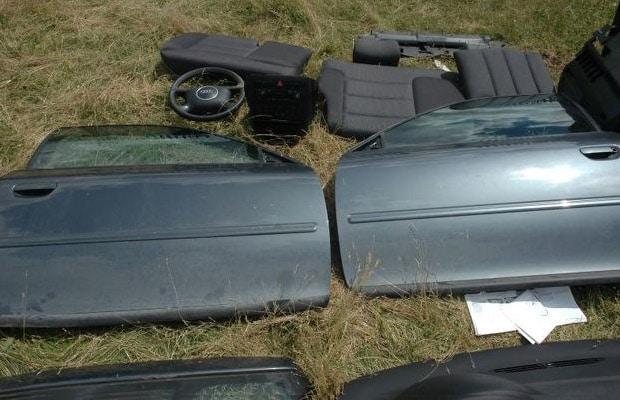 Dijelovi ukradenih automobila na Sokocu 2014 - 06