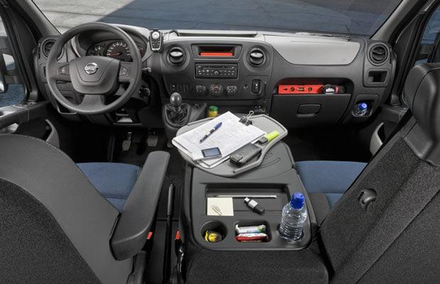 Nissan NV400 - 02