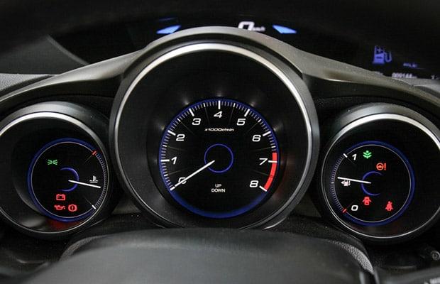 Test Honda Civic 1.8 Sport 620x400 - 05