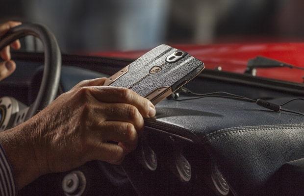 Lamborghini mobilni telefon-05