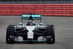 Mercedes W06 bolid napravio prve kilometre na Silverstoneu