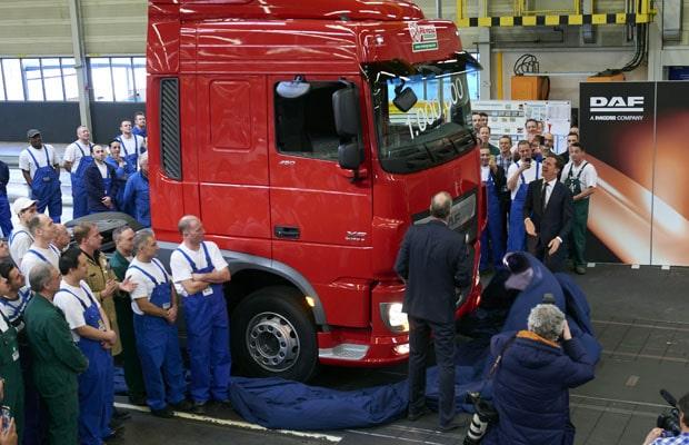 DAF-Rutte-unveals-millionth-truck2-cl