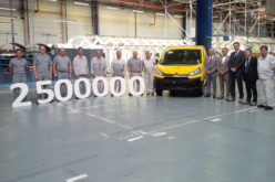 """Citroën Jumpy """"La Poste"""" ima čast biti 2.500.000 vozilo proizvedeno u tvornici Sevelnord"""