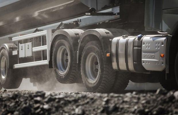 Volvo Trucks Tandem Axle Lift 03