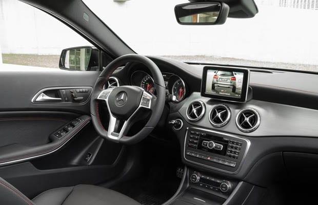 Mercedes-Benz-GLA-Class 2015 - 04