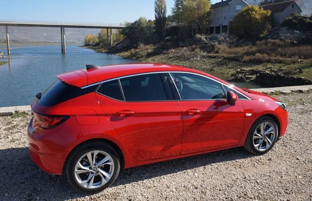 Vozili smo Opel Astra (K) 02