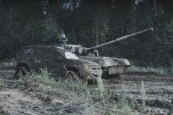 Video: Renault Duster protiv tenka T-80