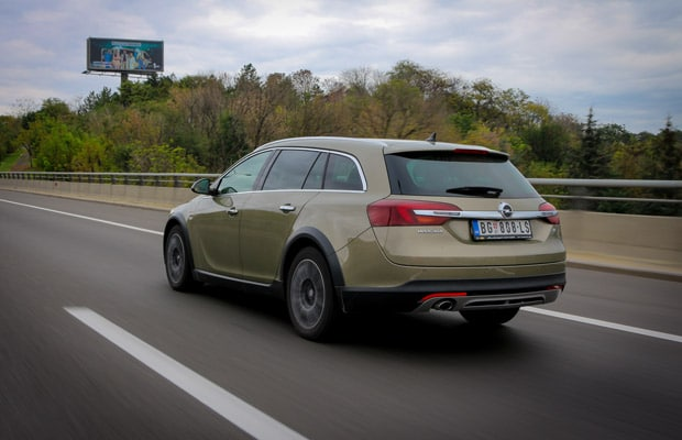 Test Opel Insignia Country Tourer 2.0 CDTI -620- 04
