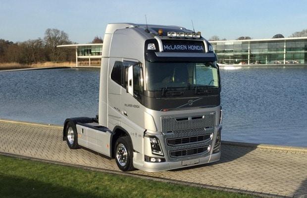 Volvo-Trucks-FH-McLaren-Honda-F1_2