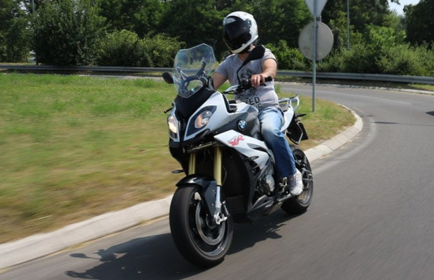 test-bmw-s-1000r-xr-01