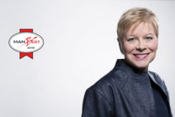 """Linda Jackson primila trofej """"Manbest 2018"""" iz ruku žirija izbora Autobest"""