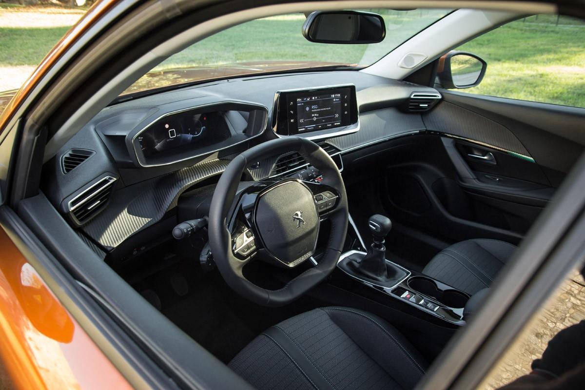 Test Peugeot 2008 1.2 Allure 2021