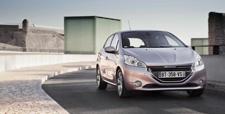 Peugeot 208 - 2013