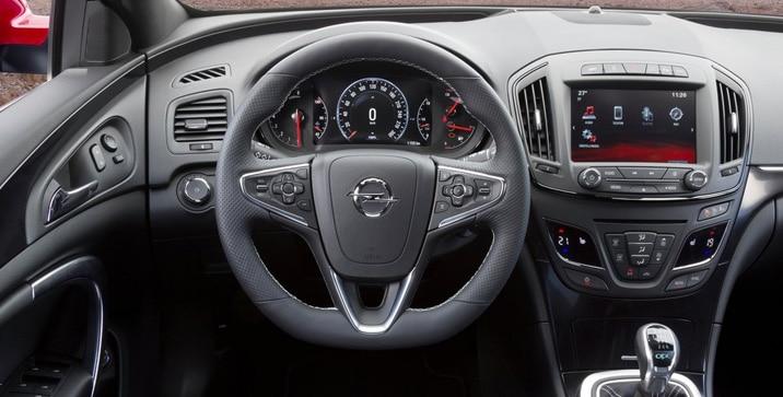 Opel-Insignia_OPC_Sports_Tourer_2014 3