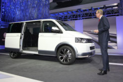 VW Multivan Alltrack koncept u Ženevi 2014.