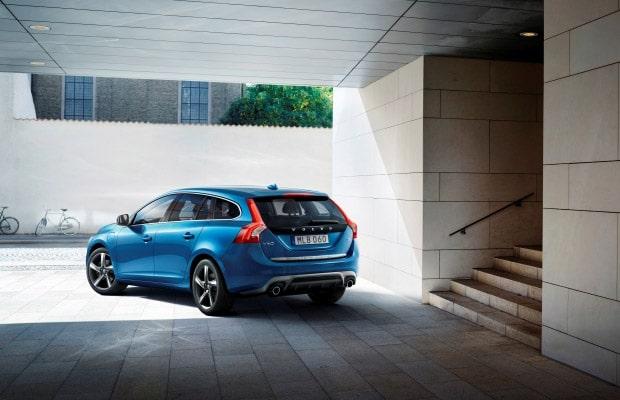 Volvo V60 Plug-in Hybrid sa R-Design paketom 2