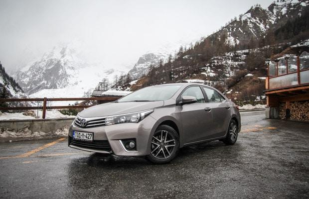 Put u Zenevu 2015 - Toyota Corolla 01