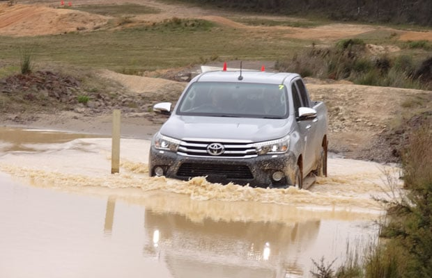 Toyota HILUX 2015 - 08