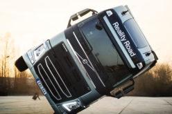 Reality Road: Hrabra akrobacija na dva točka sa kamionom Volvo FH