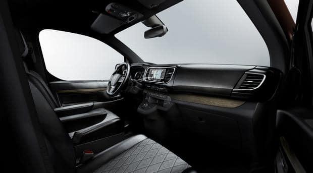 Peugeot Traveller i-Lab VIP 3.0 shuttle 03