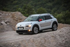 Test: Citroën C4 Cactus Shine PureTech 82 BVM – Štedljiv i prepoznatljiv