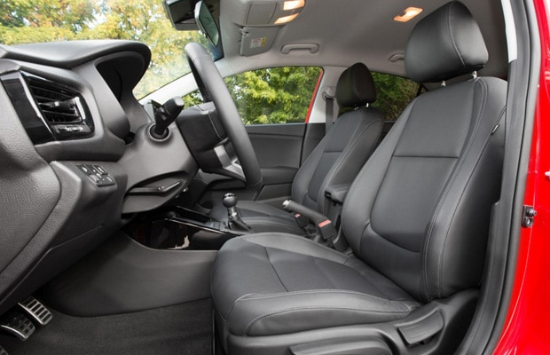 new-kia-rio-interior-10-medium